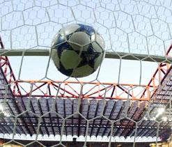 Ten-man Celtic suffer first league defeat of the season