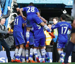 Chelsea out to pile pressure on neighbours Fulham