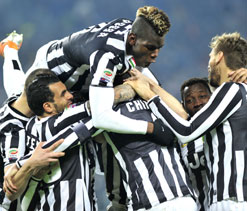 Juventus add to Inter woes, blundering Napoli thumped