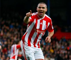 Walters puts dent in Arsenal`s title bid