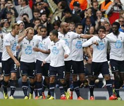Spurs win in style, keep Fulham in trouble